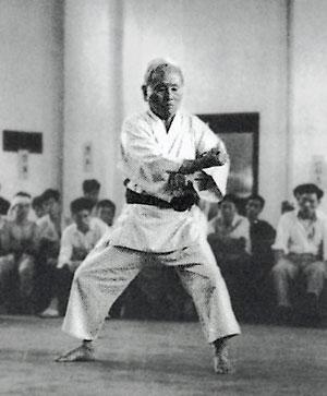 Gichin Funakoshi performin Tekki kata
